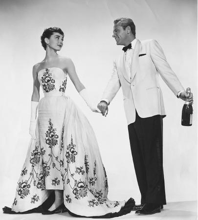 Abiti indossati da Audrey Hepburn - Pagina 2 Sjcf_01_img0166